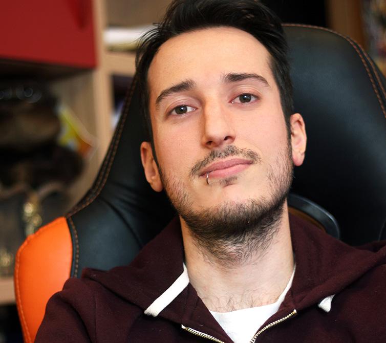 Youtuber Modena Nerd